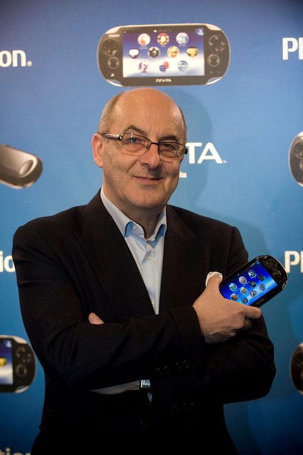 James Armstrong en el lanzamiento de la PS Vita en Sony Store Madrid