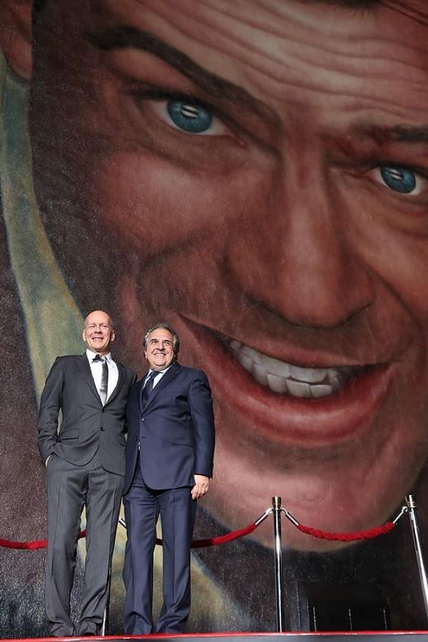 Mural La Jungla de Cristal. Die Hard con Bruce Willis
