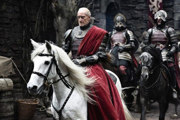 Charles Dance como Tywin Lannister en Juego de Tronos.