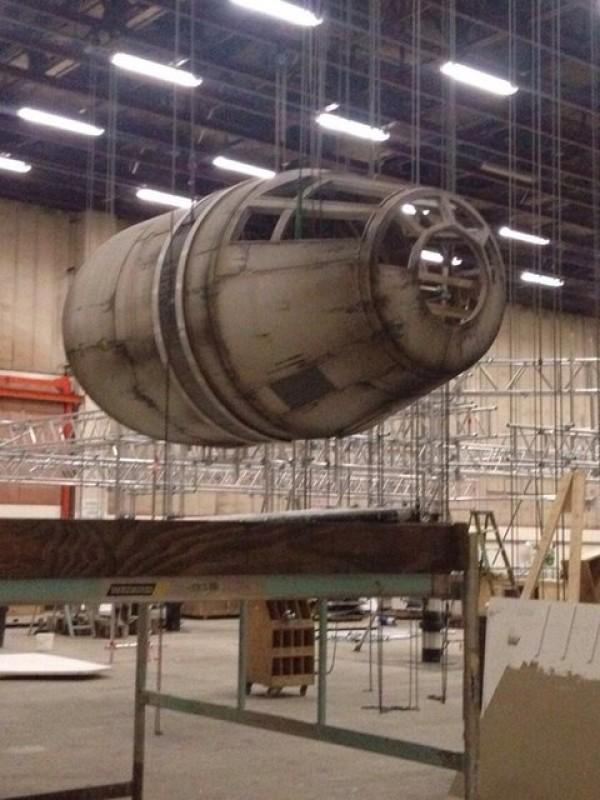 Star Wars Episodio VII Halcón Milenario.