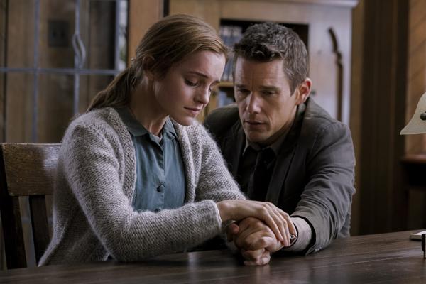 Emma Watson y Ethan Hawke en Regresión de Alejandro Amenabar.