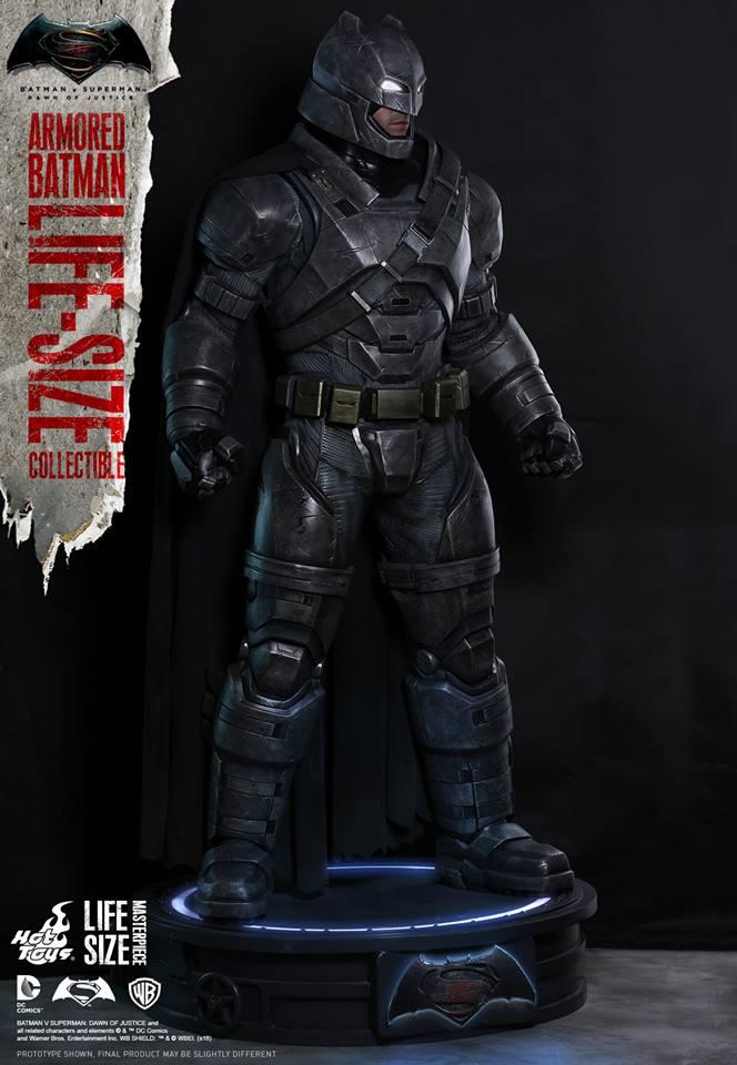 tumbaabierta_hot_toys_life_size_batman_2
