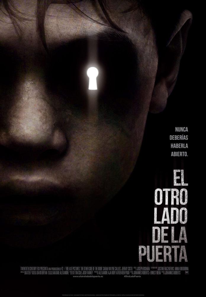 El Otro lado de la Puerta_Poster