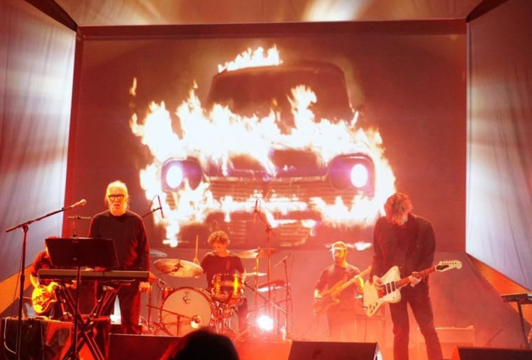 Una de las actuaciones de John Carpenter, dentro del 'Anthology Tour'.