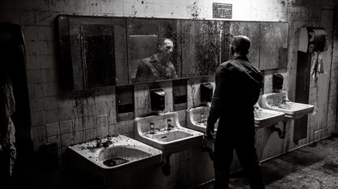Fotograma de uno de los segmentos de 'Nightmare Cinema'.