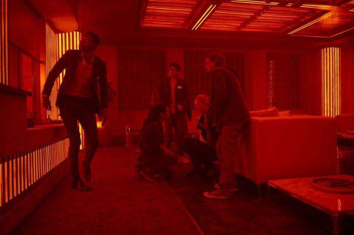 Jay Ellis, Taylor Russell, Nick Dodani, Deborah Ann Woll y Logan Miller protagonizan 'Escape Room'.