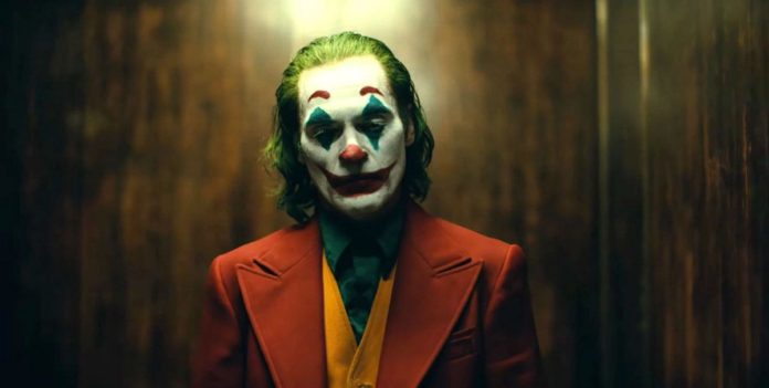 El nombre de Joaquin Phoenix suena como firme candidato a los Oscar por su papel en 'Jóker'.