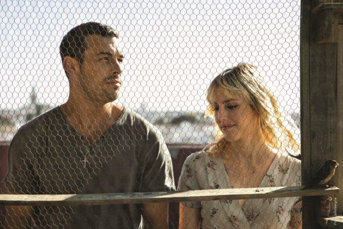 Mario Casas y Natalia de Molina protagonizan 'Adiós', la nueva película de Paco Cabezas. | Foto: Julio Vergne