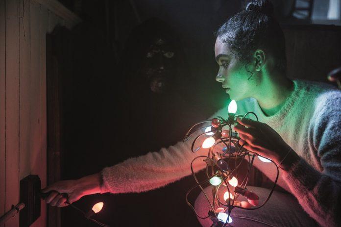 Brittany O'Grady es Jesse en 'Navidad sangrienta', coescrita y dirigida por Sophia Takal.