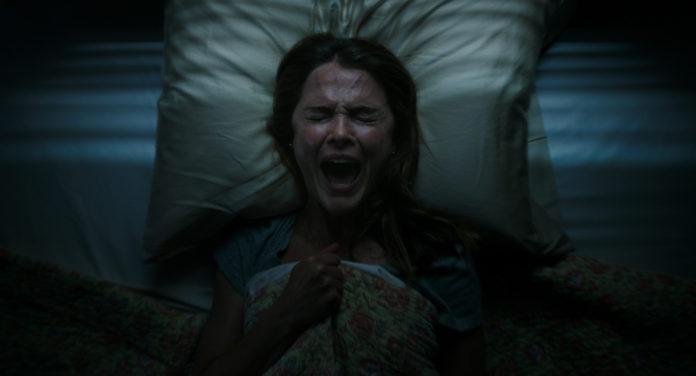 Keri Russell es Julia Meadows en Antlers: Criatura oscura.