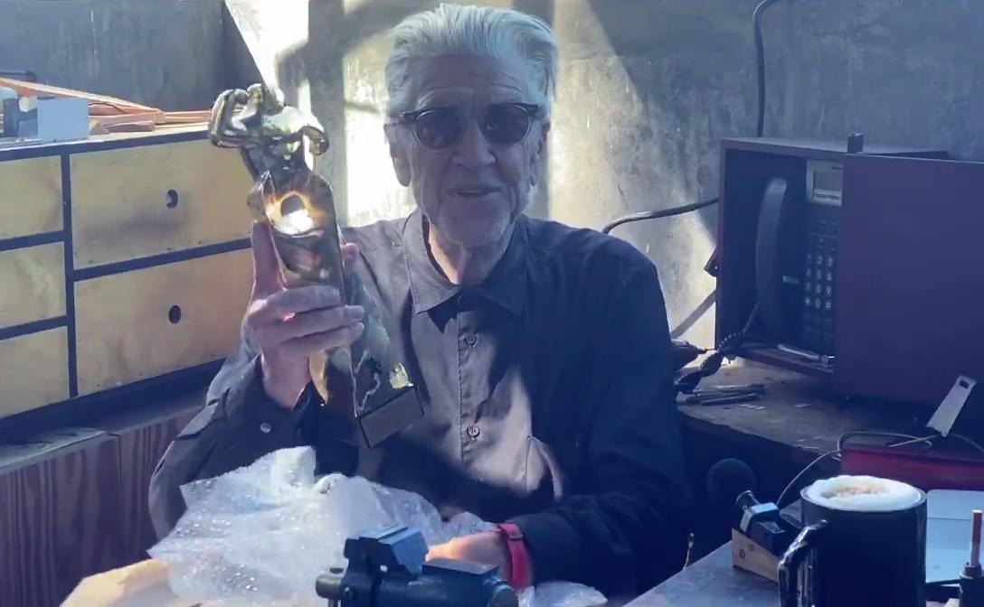 Momento de la entrega virtual del Gran Premio Honorífico a David Lynch.