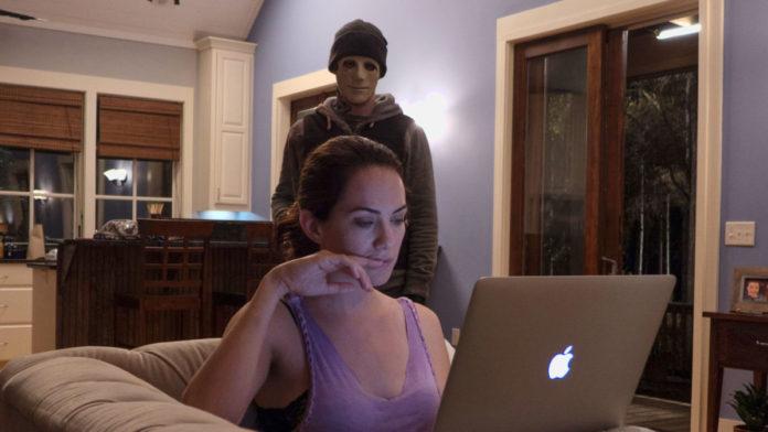La nueva serie 'Midnight Mass' podría estar conectada con el largometraje 'Hush', de 2016.
