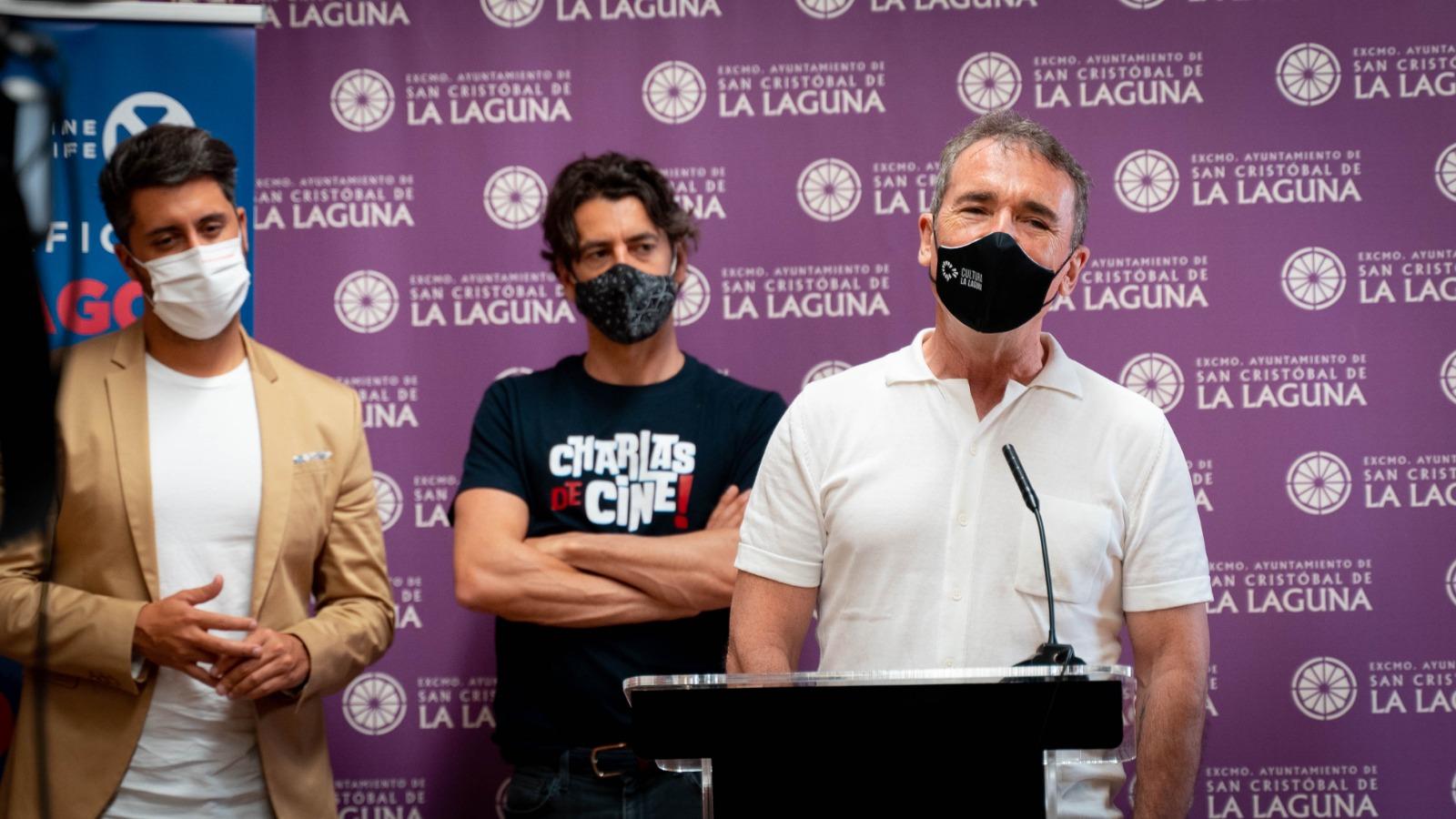 De izquierda a derecha, el alcalde de La Laguna Luis Yeray Gutiérrez, Eduardo Noriega y Santiago Tabernero.